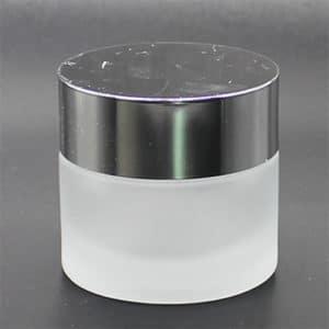 """צנצנת זכוכית פרוסטד 50 מ""""ל - מכסה כסף"""