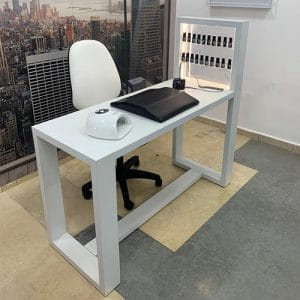 שולחן מפואר מעץ + מדפים ללקים + תאורה - לבן